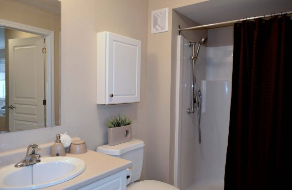 Wellings of Waterford Accessible Bathroom