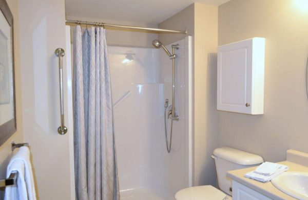 Queensview Accesible Bathroom