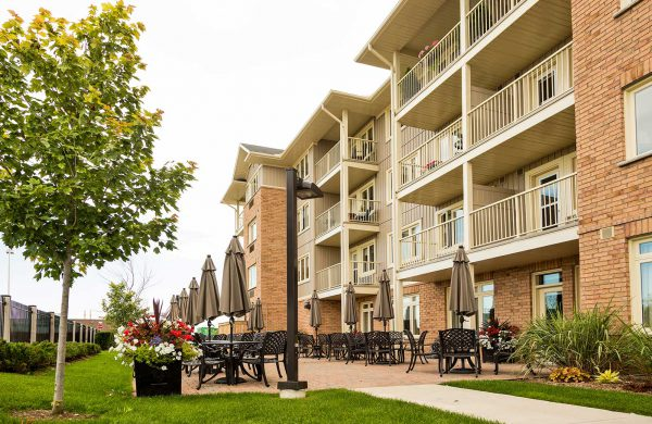 Harbour Hill Outdoor Patio-2